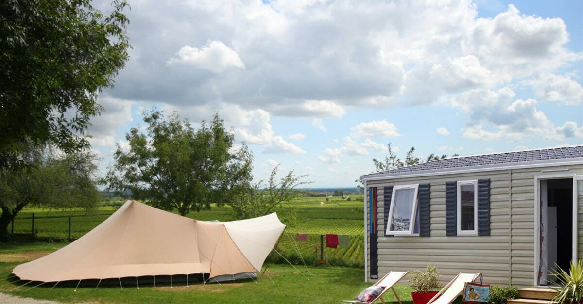 Camping beaune 4 campings dans le pays beaunois en for Camping bourgogne piscine